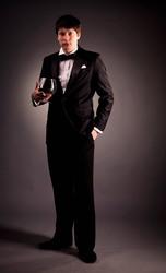 костюмы, смокинги, фраки мужские-пошив, прокат и продажа