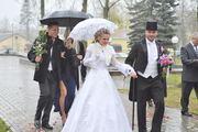 для новобрачных -платье свадебное,  смокинг костюм мужской