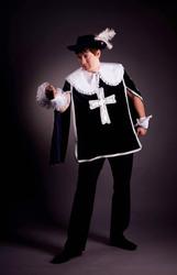 мушкетер, сумасшедший, кошки- прокат маскарадных костюмов